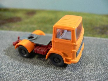 1/87 Wiking MB '70 Zugmaschine orange