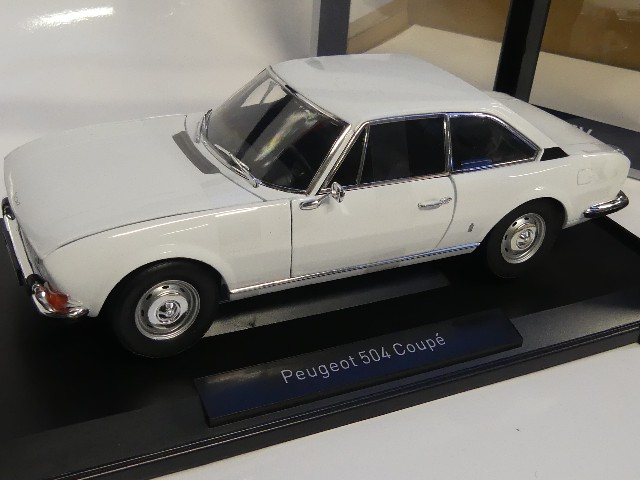 1969 Peugeot 504 Coupe weiss 1:18 Norev 184825