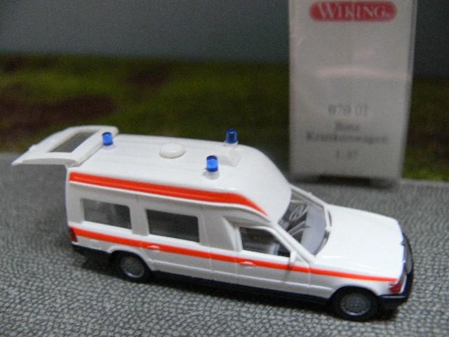 1//87 Wiking MB Binz 2001 KTW weiß 070 01 B
