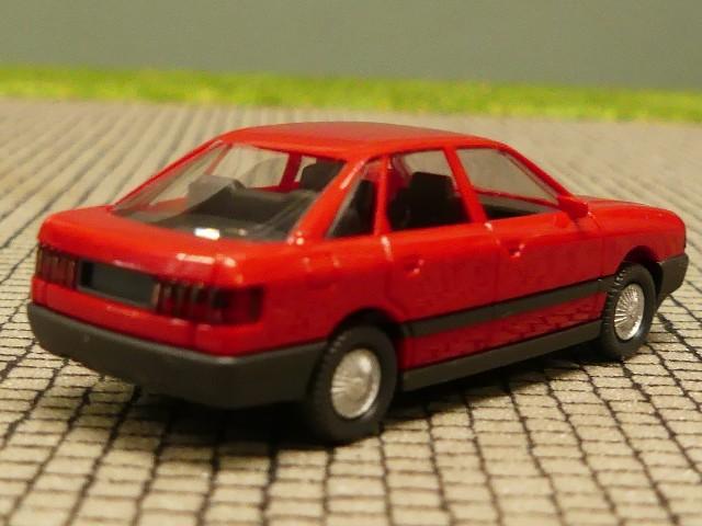 1//87 Wiking Audi 80 rot 121 0 B