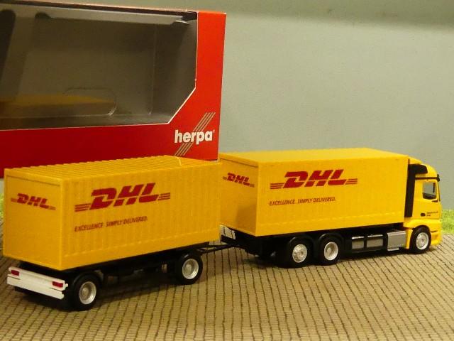 1//87 Herpa MB A 18 StSp 2.3 DHL Cargoboxen Hängerzug 311809