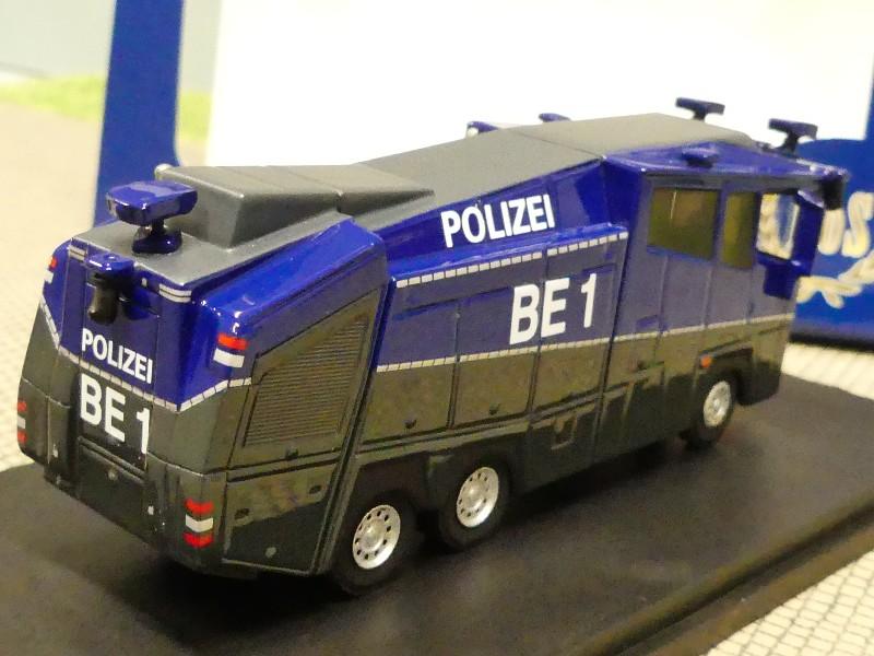 Wasserwerfer Berlin BE1 Rosenbauer 10000 mit OVP H0, 1:87 NEUWARE BoS 87790
