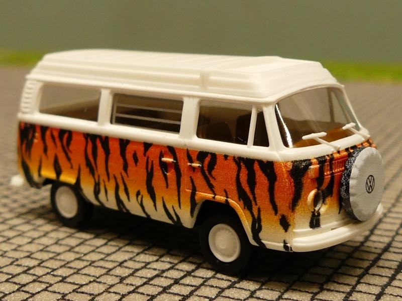 Brekina VW Volkswagen T2 Bus Camper Westfalia Palmen Strand Modell 1:87 H0