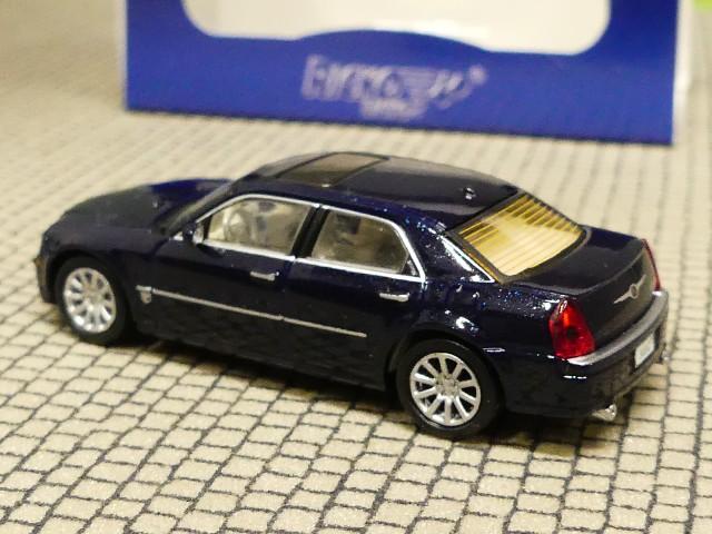 RICKO H0,1:87 Chrysler 300C HEMI SRT8 dunkelrot metallic NEU Brekina 38662