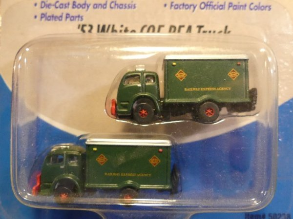 1/160 Mini Metals White '53 Railway Express 50238