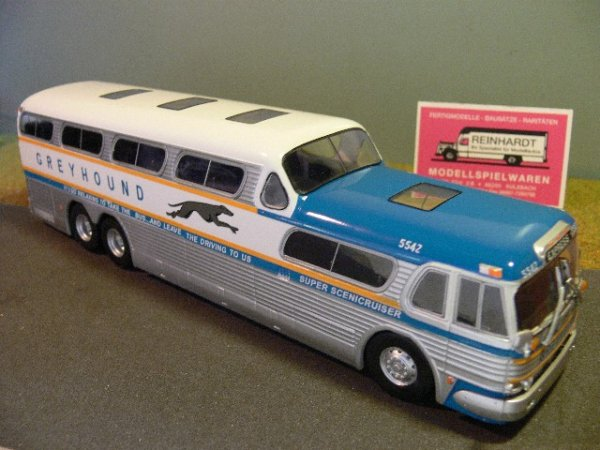 1/43 Ixo Greyhound Scenicruiser Reisebus 1956