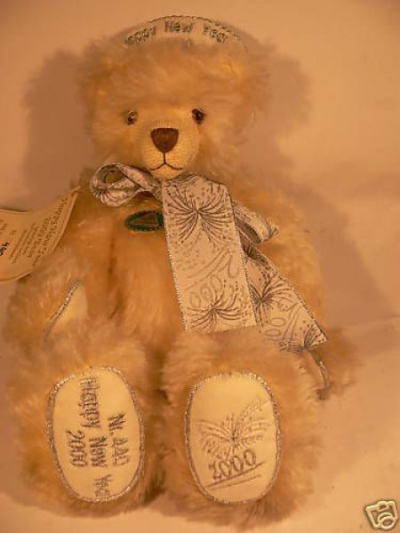 HC 33 Hermann Coburg Happy New Year Bär 2000 aus Mohair ca.31 cm *