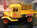 1/32 Coca Cola Ford Model TT Pickup 1923 + Kisten u.Sackkarre 442453